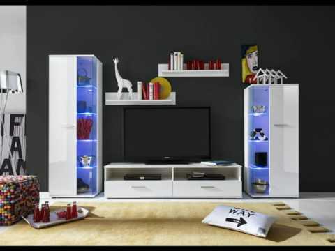 Wohnzimmer Wohnwand mit Glasvitrinen und Lowboard in Hochglanz weiß