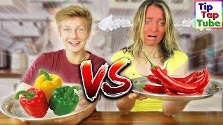 Heute tritt Mama Marie gegen Max an! Real Food vs. Chili Food! Viel Spaß mit dieser scharfen Challenge : )YouTube Kanäle der Familie:► Ash5ive: https://goo.gl/zv9uKT► Echtso: https://goo.gl/OB8xbM► MaxApps : https://goo.gl/aTXLRv► TipTapTube: https://goo.gl/aBz7Vj► marieland: https://goo.gl/noHjb5-------------------------------------------------------------------------Unsere Ausrüstung► Kameras:Canon DSLR EOS 77D http://amzn.to/2qSF42J *Canon DSLR EOS 750 D http://amzn.to/2r8IIDJ *Canon Objektiv 10-18 mm http://amzn.to/2pEL7UB *Canon Objektiv 18-55 mm http://amzn.to/2rXRvsv *Canon Powershot G7 X Mark II http://amzn.to/2pEACRo *Canon Legria Mini X Canon Powershot SX 600 HS http://amzn.to/2r6Vn9r *Speicherkarte http://amzn.to/2qilxtZ *► Stative:Amazon Basics http://amzn.to/2pENOpe *Joby Gorillapod http://amzn.to/2rHOboD *► Beleuchtung:Studio Leuchten 5500K  http://amzn.to/2r6Wnu2 *► Videobearbeitung:Magix Video Deluxe 2017 http://amzn.to/2r6HKa7 *-------------------------------------------------------------------------Social Media:►Abonnieren: http://www.youtube.com/user/tipTapTube?sub_confirmation=1►Google+: https://plus.google.com/116140844908798504019/posts►Facebook: https://www.facebook.com/TipTapTube►Twitter: https://twitter.com/TipTapTube►Instagram: TipTapTube-------------------------------------------------------------------------►Autogramm-Karten: Bitte schicke uns einen ausreichend frankierten und mit deiner Adresse versehenen Rückumschlag an:►Unsere Post Adresse für BRIEFETipTapTubePostfach 611124122 KielWer eine Autogrammkarte haben möchte: Du brauchst 2 Briefumschläge und 2 Briefmarken: Auf Umschlag 1 schreibt du vorne leserlich deine Adresse drauf, und eine Briefmarke drauf (Briefporto).Diesen Umschlag bitte gefaltet (nicht zukleben!) in den zweiten Umschlag stecken. Auf den zweiten Umschlag bitte unsere Postfach Adresse draufschreiben und eine Briefmarke draufkleben.►Unsere Post Adresse für PAKETETipTapTubePackstation10288172834624143 Kiel---------------