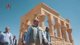 جولة الرئيس مع مجموعة من الشباب العربي والأفريقي في معبد فيله بأسوان