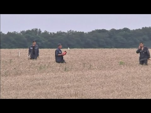 flight - More on MH17: http://bit.ly/1gDdBlB Subscribe to ITN News: http://bit.ly/1bmWO8h The black box flight recorder from Malaysian Airlines flight M17 appears to have been recovered from the crash...