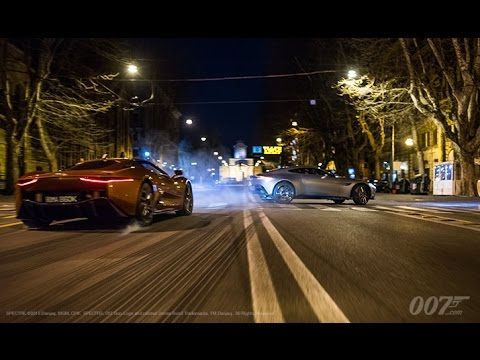 Spectre (Featurette 'Supercars')