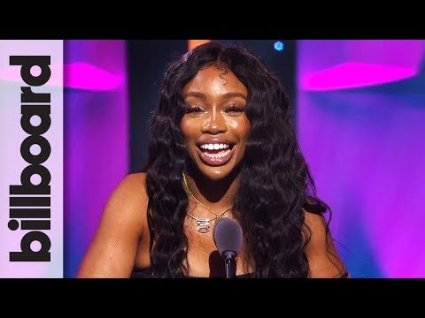 SZA Accepts Rule Breaker Award | Women in Music