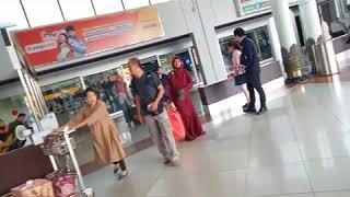 Video Keseruan rofinity jemput fikoh di bandara sampai kejutan di tempat kost fikoh MP3, 3GP, MP4, WEBM, AVI, FLV Juli 2019