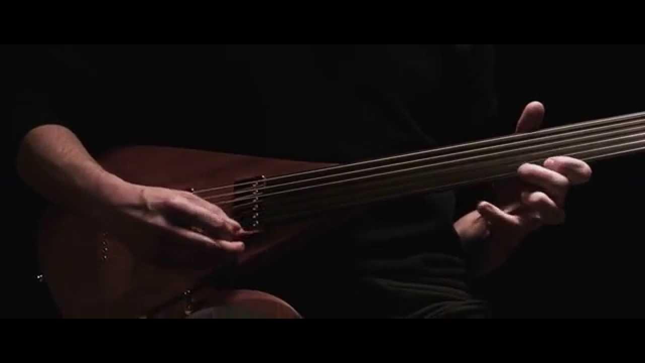 Lava – unique fretless electric guitar