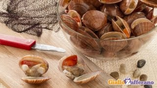 How to clean smooth clams (callista chione) - cooking tutorial