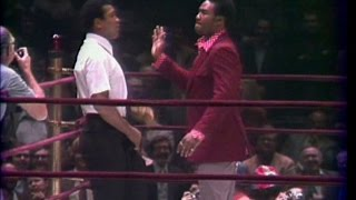Video Muhammad Ali - Crazy - Funny with Foreman and Frazier MP3, 3GP, MP4, WEBM, AVI, FLV Oktober 2018