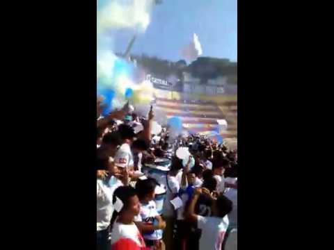 Alianza vs aguila 1-0 Recibimiento de la Ultra Blanca y BarrAbrava 96 - La Ultra Blanca y Barra Brava 96 - Alianza