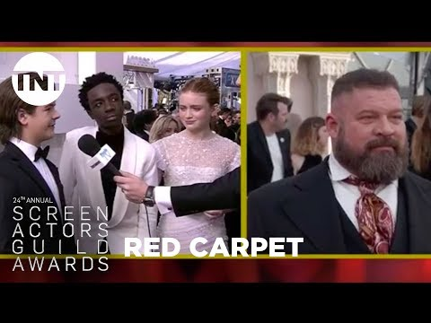 Stranger Things Teens: Red Carpet Interview | 24th Annual SAG Awards | TNT