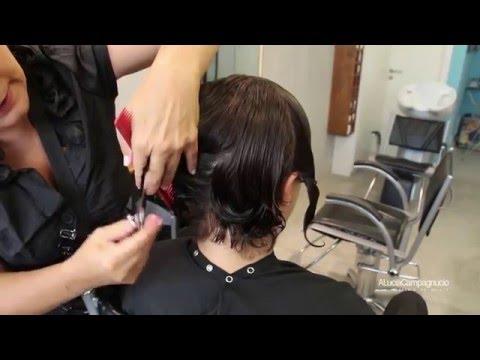Corte de cabelo curto cacheado