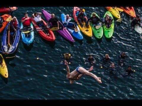 Vidéo : Sixième étape du Red Bull Cliff Diving World Series 2013 au Blue Lagoon, Pays de Galles
