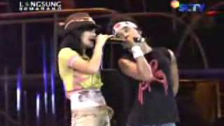 Download lagu Slank Feat Marshanda Juwita Malam Live Semarang Mp3