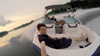 My friend invited my sister and I to go on his boat for the day. Decided to bring my GoPro and film a little bit. Twitter: http://twitter.com/DALLMYD Instagr...