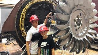 Video What's inside The Hoover Dam? MP3, 3GP, MP4, WEBM, AVI, FLV April 2019