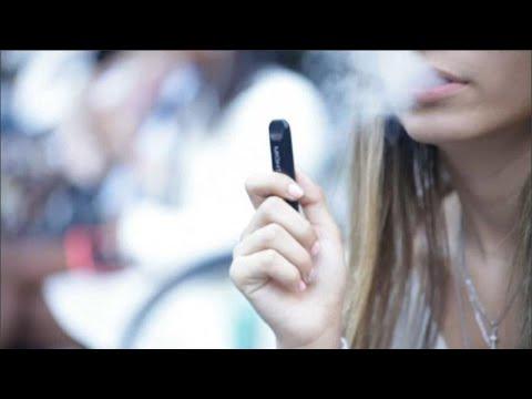 Ηλεκτρονικό τσιγάρο: Τι συμβαίνει σε ΗΠΑ και Ευρώπη