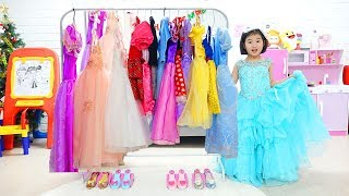 Download Video Boram Dress Up and New Make Up toys MP3 3GP MP4
