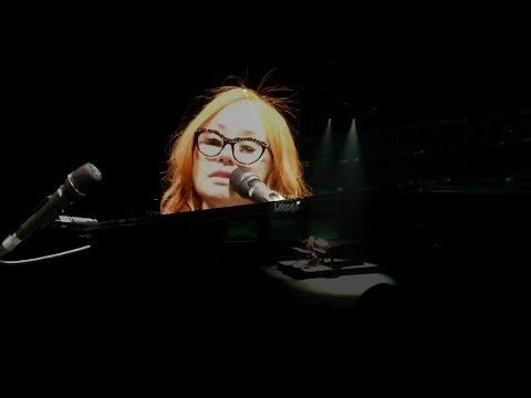 Tori - Tori Amos covers Radiohead's Creep at The Beacon Theater on 8/13/14. Multicam Mix. Custom Camera Audio Matrix. Source Channels: -- Lisa Z @quickliftzwick - h...