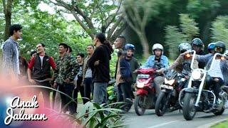 Video Rocky Menghajar Geng Motor Anarki Di Jalan [Anak Jalanan] [2 Des 2016] MP3, 3GP, MP4, WEBM, AVI, FLV Januari 2019
