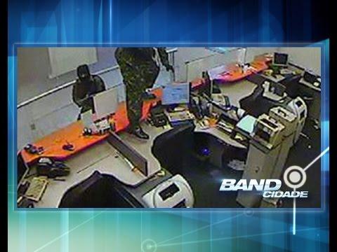 Polícia Civil prende quadrilha suspeita de assaltar agência de banco