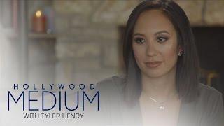 Video Cheryl Burke Connects With an Ex | Hollywood Medium with Tyler Henry | E! MP3, 3GP, MP4, WEBM, AVI, FLV September 2018