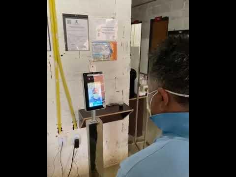 Construtora valida o terminal facial, com máscara e verificação de temperatura.