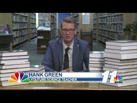 "Interview with Hank Green: ""YouTube's Science Teacher"""