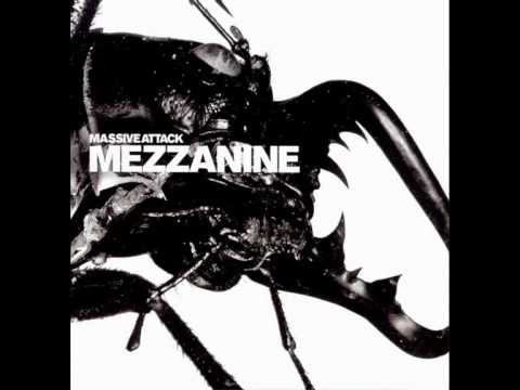 Tekst piosenki Massive Attack - Group Four po polsku