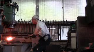 Video 日本刀鍛錬 katana making(1) MP3, 3GP, MP4, WEBM, AVI, FLV Juli 2019