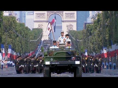 Militärparade in Paris: Frankreich feiert