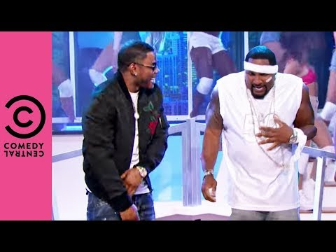 "Ray Lewis Is Getting ""Hot In Herre"" 