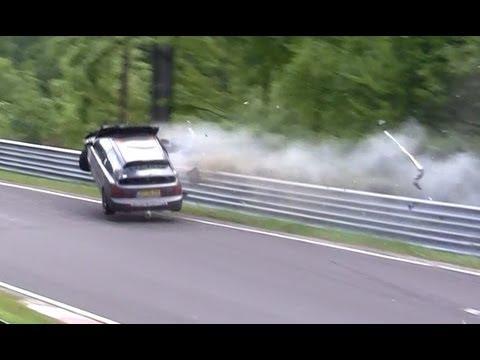 Honda Civic crashes on the Nurburging