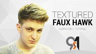Video Cách cắt tóc và tạo kiểu nam Faux Hawk w Blumaan Original Styling Meraki - The 91s MP3, 3GP, MP4, WEBM, AVI, FLV Mei 2019