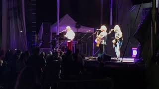 Dennis DeYoung and his Band Perform Fooling yourself (The angry young man) At the 2017 Rib Off in Toledo Ohio.