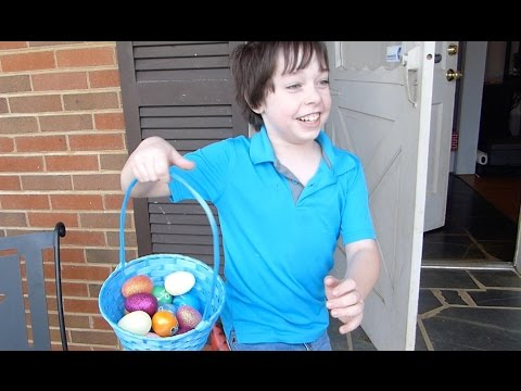 Dyeing and Hunting Easter Eggs!