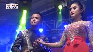 Anisa Rahma feat Bobby DK - Bingkisan Rindu (Official Music Video)
