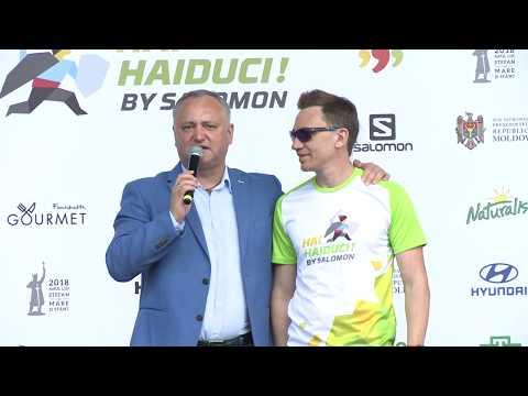 """Igor Dodon împreună cu familia a participat la maratonul pe distanța de 15 km în cadrul Festivalului de sport și muzică """"Hai, Haiduci!"""""""
