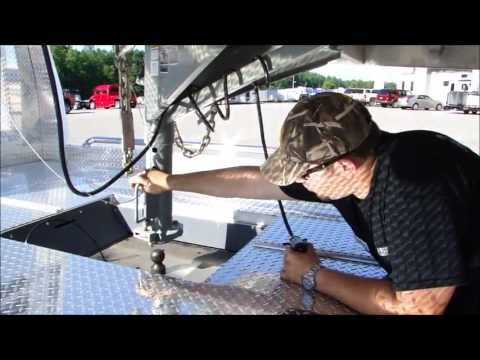 Gooseneck - In this video we cover how to connect a gooseneck trailer to a tow vehicle. Visit http://www.trailerseast.com/CompanyInfo/NewsandInfo/tabid/2898/articleType/...