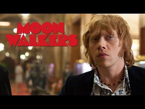 Moonwalkers - Extrait 2 : Rupert Grint et Robert Sheehan (VO)