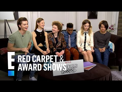 """""""Everything Sucks!"""" Stars Give Scoop on '90s Show 