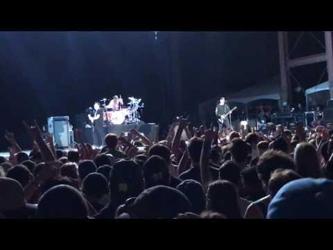 Blink-182 - Dammit at Edgefest 2017 (видео)