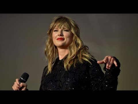 Taylor Swift Delicate # live from Swansea