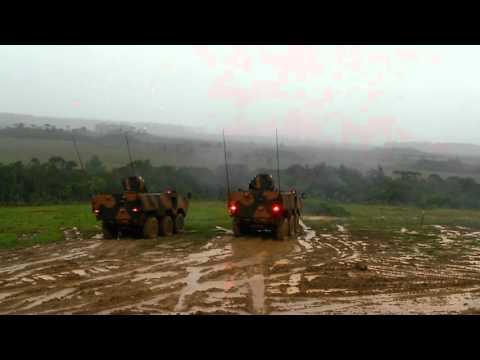 Rajada do blindado Guaraní em Três Barras - SC - Comando Ad5 Divisão de Exército de Curitiba - Pr