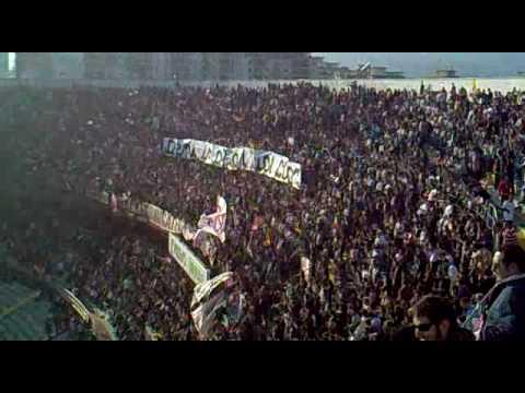 La afición del US Palermo en el Renzo Barbera