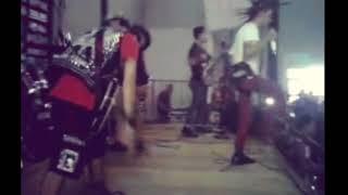 THE RASKIN - Kami bukan sampah live at cirebon