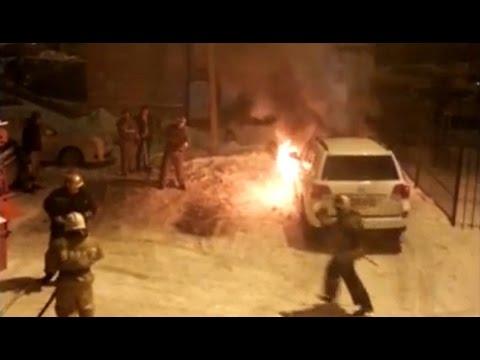 В Омске сожгли внедорожник бизнесмена, поднявшего цены на проезд