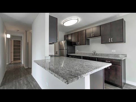Tour a Gold Coast / River North K-tier 2-bedroom at Chestnut Place apartments