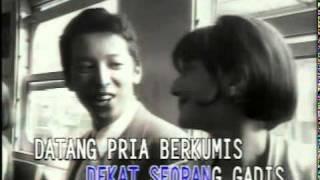 P - Project - Antrilah Di Loket Video