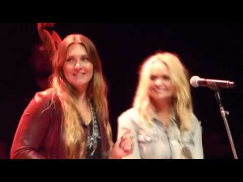 MIRANDA LAMBERT, ANDERSON EAST AND THE STAPLETONS PERFORM