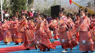 HMONG CHINESE DANCE GROUP performed LIVE with the Famous Song