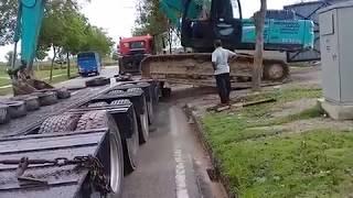 Operator Tak Berani Driver Trailer Pun Boleh Naik KOBELCO SK350 Bukan HGS Piling Malaysia