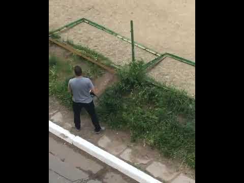 В Якутии агрессивный мужчина распилил болгаркой детскую площадку.